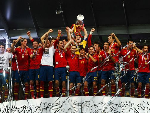Spain celebrate their Euro 2012 triumph