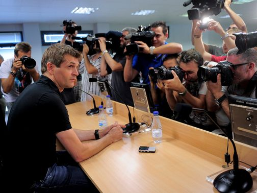 Tito Vilanova: Will have surgery on his parotid gland
