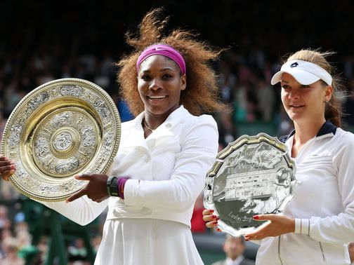 Serena Williams (l): Too strong for Radwanska