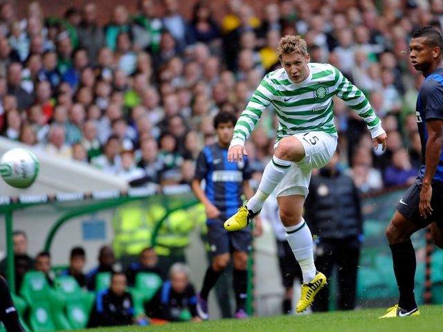 Kris Commons scores for Celtic.