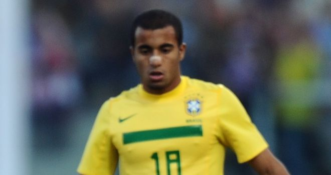 Lucas Moura: Inter Milan admit interest in Braziliam playmaker