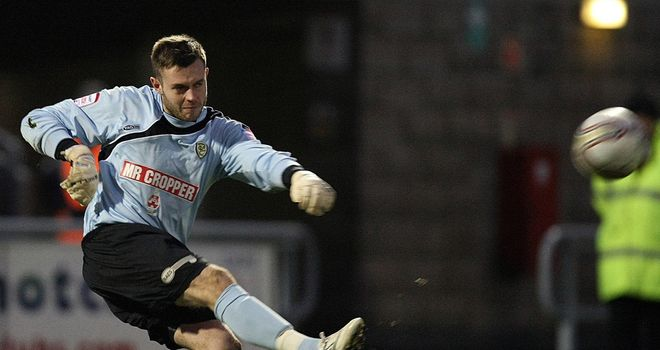 Ross Atkins: Loan move to Broadfield