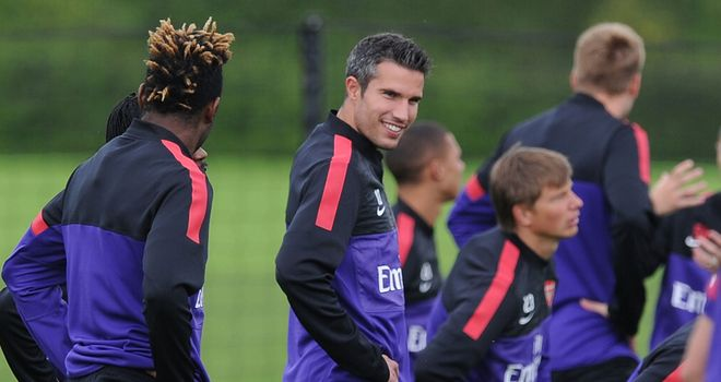 Robin van Persie: Arsenal's valuation of striker not met, but he won't go on tour