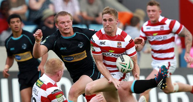 Sam Tomkins: Inspirational full-back claims four tries in Warriors win