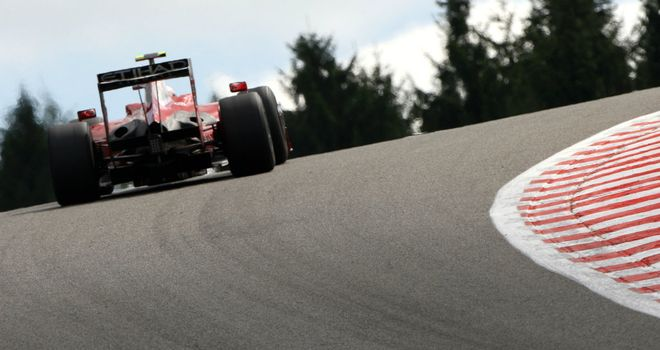 Spa: F1 cars will continue to tackle Eau Rouge until at least 2015