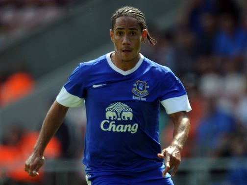 Steven Pienaar: Out with a thigh strain