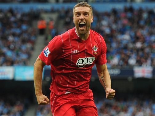 Rickie Lambert: Calls on players to help improve results