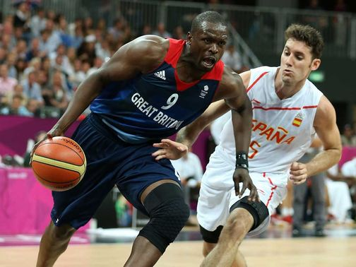 Luol Deng: Hopes to avoid surgery