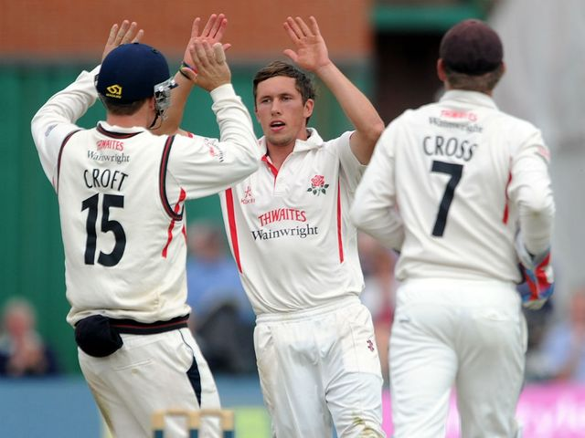Simon Kerrigan: Tidy spell of bowling