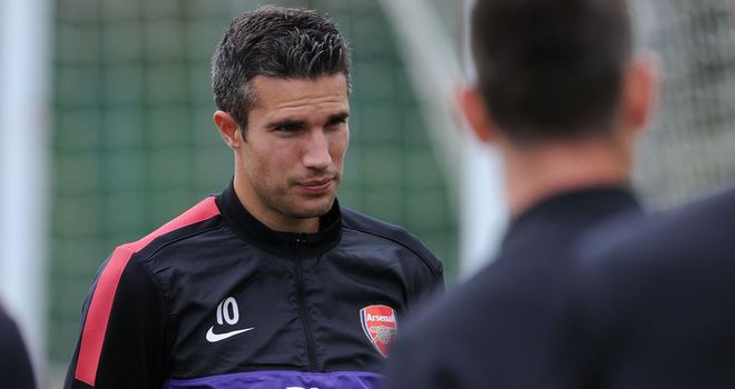 Robin van Persie: The Arsenal striker does not want to sign a new contract at Emirates Stadium