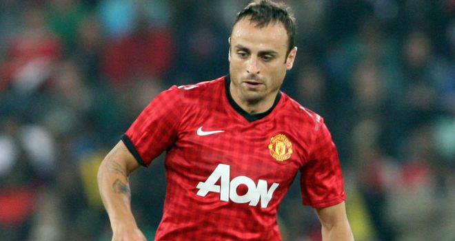 Dimitar Berbatov: Set for Fulham move after rejecting Fiorentina and Juventus