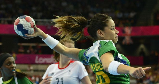 Leftwing Jessica Quintino fires in s shot for Brazil