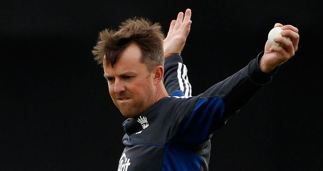 Graeme Swann: Has warned about putting too much pressure on him in India