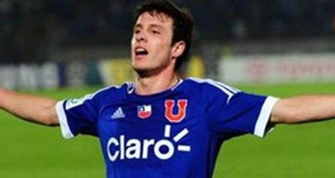 Angelo Henriquez: Universidad de Chile forward to join Manchester United this month