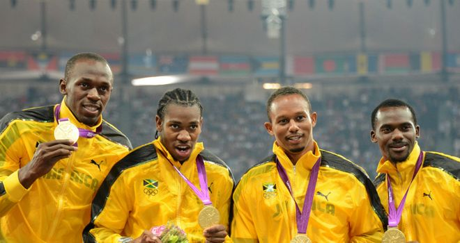 Yohan Blake (2nd L): Thinks Jamaica can go even faster in the relay