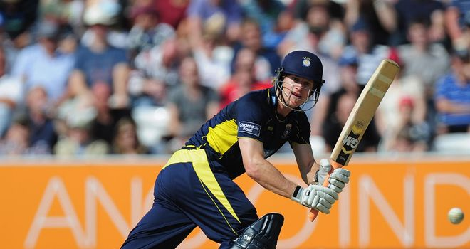Jimmy Adams: New contract with Hampshire