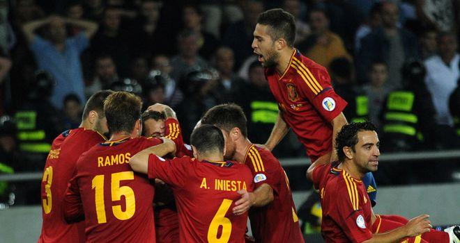 Spain celebrate Soldado's late winner
