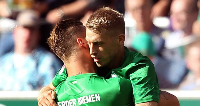 Aaron Hunt: Goal and an assist in Bremen win