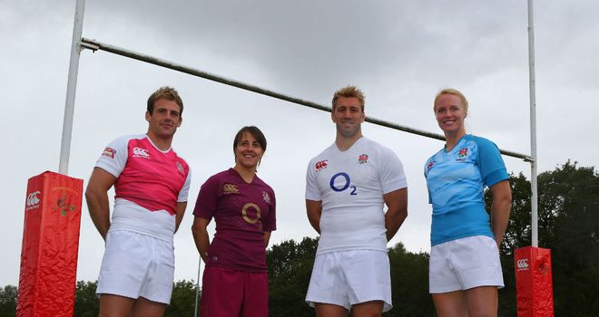 Chris Robshaw (2R) poses with England captains Rob Vickerman (L), Katy McLean (2L) and Michael Staniford (R)