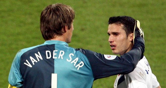 Edwin van der Sar: Spoke with Robin van Persie before move