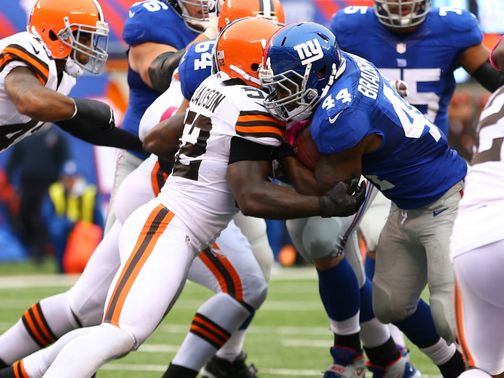 Ahmad Bradshaw: 200 yards rushing and a touchdown for Giants