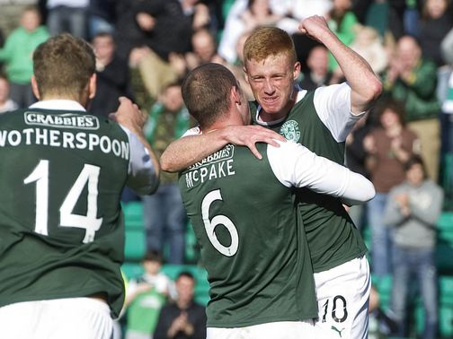 Eoin Doyle opened the scoring as Hibs beat Dundee 3-0.