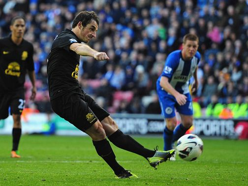 Leighton Baines: Was 'extraordinary' at Wigan, said Moyes