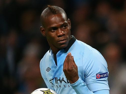 Mario Balotelli: Long-term contract at Man City