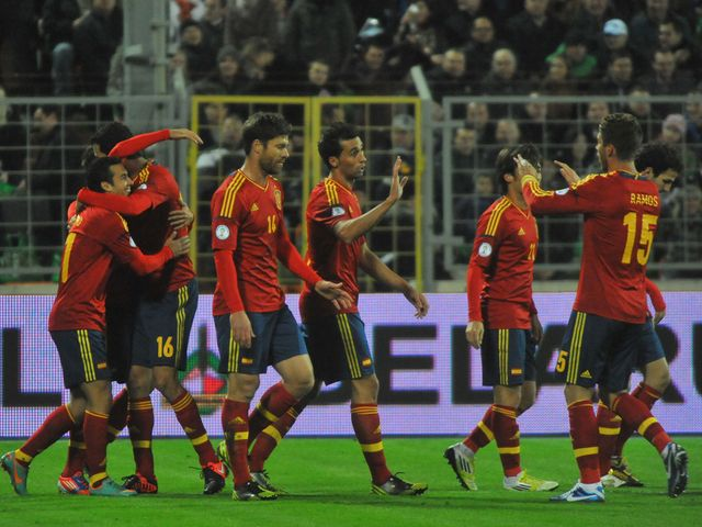 Spain celebrate in Minsk