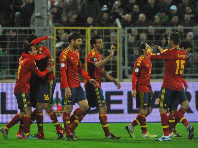 Spain celebrate in Minsk