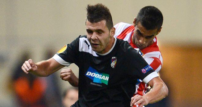 Michal Duris holds off Abdekader Oueslati