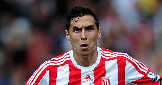 Geoff Cameron: Players remain behind Tony Pulis