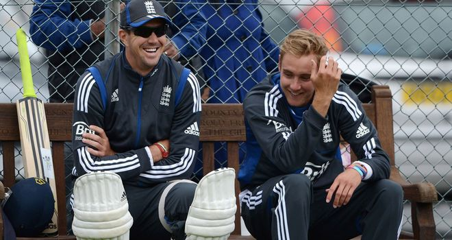 Stuart Broad (right): England have no problems with Pietersen (left)