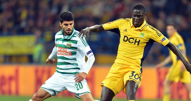 Papa Gueue: Trying to get the better of Muhammed Ildiz