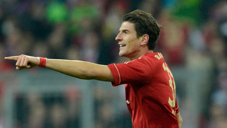 Mario Gomez: Back in Germany squad for France clash