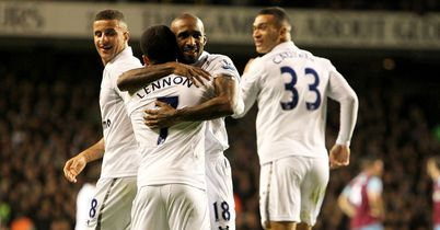 Tottenham: Celebrating Defoe goal