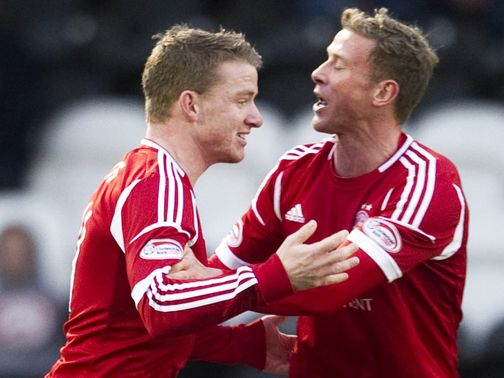 Aberdeen celebrate against St Mirren