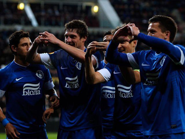 Dnipro celebrate Yevhen Seleznyov's goal