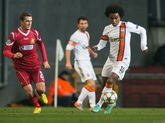 Willian in action for Shakhtar Donetsk