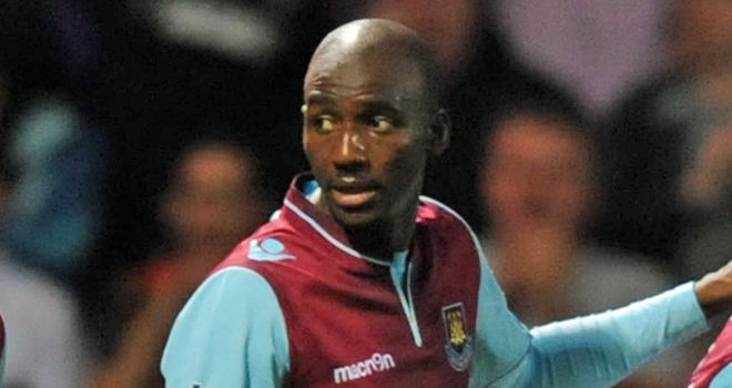 Alou Diarra: West Ham United midfielder is closing on a return to action