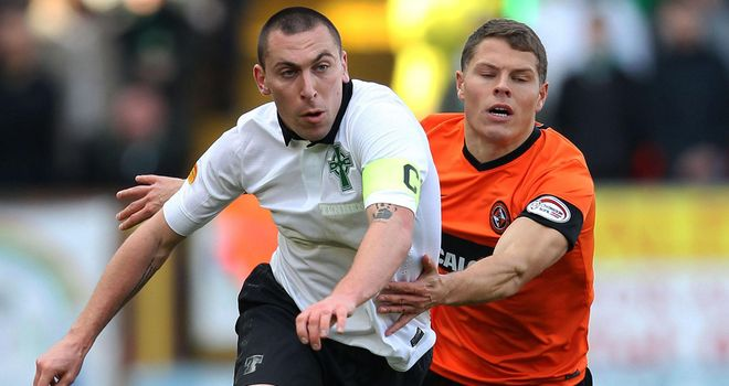 Scott Brown: Celtic captain 'over the worst' of hip injury