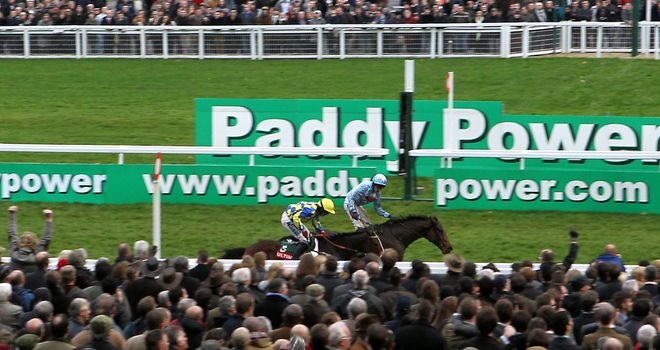 Goulanes pips Cross Kennon at Cheltenham