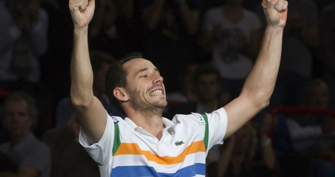 Michael Llodra: Through to the quarter-finals of the Paris Masters