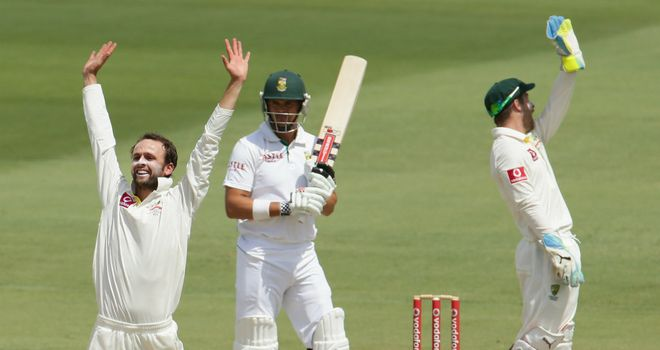 Nathan Lyon claimed two wickets to put South Africa on the ropes