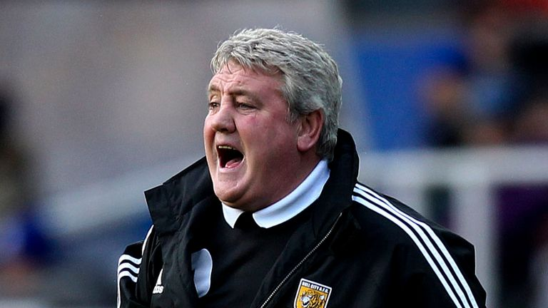 Steve Bruce: Not impressed by Blackpool's pitch