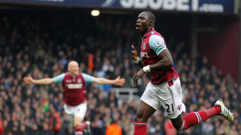 Mohamed Diame: No bid from Arsenal for West Ham midfielder