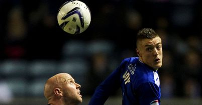 Jamie Vardy (r): Gets above O'Connor