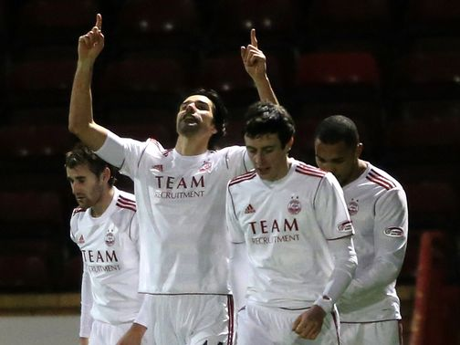 Aberdeen goalscorer Rory Fallon celebrates
