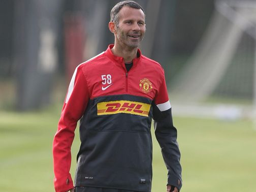 Ryan Giggs: Cautious over lead at PL summit