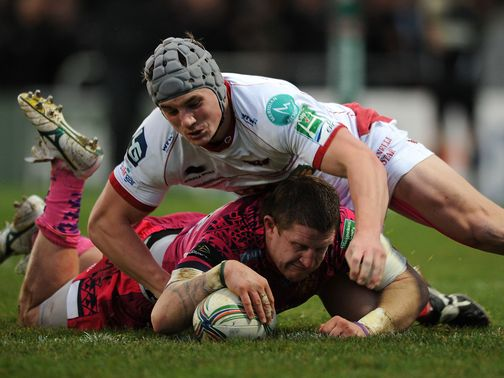Simon Alcott goes in for an Exeter try